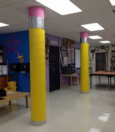 Classroom Door, Classroom Design, School Classroom, Future Classroom, School Hallways, School Murals, Diy Classroom Decorations, School Decorations, Art Classroom Decor