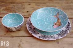 613materika: pintando cerámica Hand Painted Ceramics, Porcelain Ceramics, China Porcelain, Pottery Painting, Ceramic Painting, Painted Pottery, China Clay, Pretty Mugs, Kitchen Must Haves