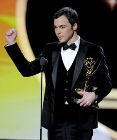 Love Big Bang Theory ! And Sheldon!