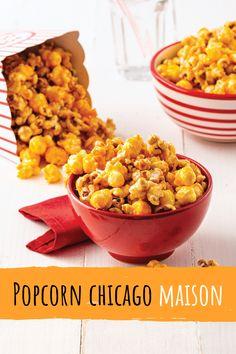 Préférez-vous le popcorn au caramel ou celui au fromage? Pas besoin de choisir grâce à cette recette facile de popcorn Chicago maison! Popcorn Au Caramel, Vegetables, Food, Snacks, Cheese, Recipes, Home, Kitchens, Essen