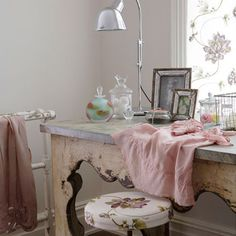ideas for home office feminine dressing rooms, – Chic Home Office Design Purple Home, Decor, Bedroom Decor, Retro Home, Shabby Chic Dressing Table, Shabby Chic Homes, Home Decor, Feminine Home Offices, Romantic Interior