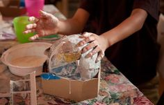 The French term papier-mâché means chewed up paper. Use this strong paper mache paste recipe to make your finished craft projects more durable. Paper Mache Pinata, Paper Mache Balloon, Making Paper Mache, Paper Mache Boxes, Paper Mache Sculpture, Sculptures, Jackson Pollock, Pulp Recipe, Paste Recipe