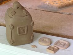 Fine Mess Pottery: All Sprigged Up: tutorial on scullery molds.