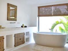 Spanish Bathroom, Modern Bathroom, Style Ibiza, Beautiful Beach Houses, Beach House Bathroom, Moraira, Mediterranean Style Homes, Ibiza Fashion, Interior Decorating