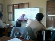Pelajaran kimia dgn guru bu muawanah