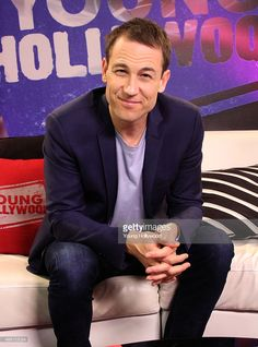 Tobias Menzies visits the Young Hollywood Studio on March 2015 in Los Angeles, California. Tobias, Celebrity Crush, Celebrity Photos, Diana Gabaldon Books, Drums Of Autumn, The Fiery Cross, Photo Studio, Studio Photos, Editorial News