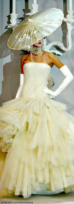 Christian Dior ~ Haute Couture Ivory Strapless Gown w Multi layered Tulle Skirt