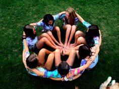 best friend photoshoot, wanting to do this... Maybe but a basketball or something in the middle??