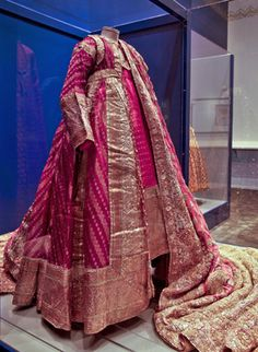 "Poshak (costume for a woman) cir 1900, silk brocade w/ gold thread. SF Asian Art Museum ""Maharaja"" exhibit"