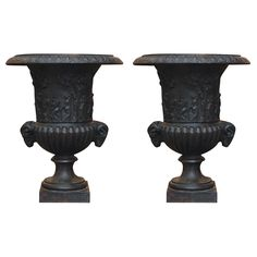 Empire Iron urns, France early 19th century