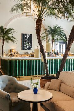Le Sirenuse Champagne Bar - Four Seasons Hotel at The Surf Clubs, Miami, Florida, United States - Richard Meier, Russell T Pancoast and Joseph Dirand Architecture