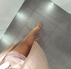 Gold Heels : Photo