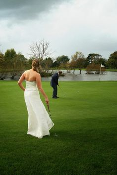 Why not get married in a… golf club? And have the best pictures ever! Read our blog for more reasons.
