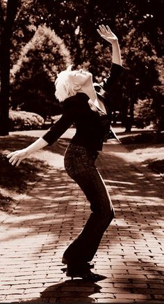 See Cyndi Lauper pictures, photo shoots, and listen online to the latest music. Cindy Lauper 80s, Cyndi Lauper, Lgbt Rights, Music Icon, Latest Music, American Singers, Music Stuff, Rock And Roll, Have Fun
