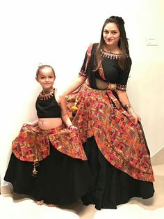 GARBA DRESS ON RENT Garba Dress, Navratri Dress, Lehnga Dress, Kids Lehenga Choli, Bridal Lehenga Choli, Ghagra Choli, Saree Blouse Neck Designs, Choli Designs, Dress Indian Style