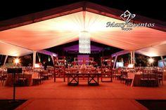 Hermosa boda estilo vintage y romantico en los tonos ambár, rojo y rosado.Boda