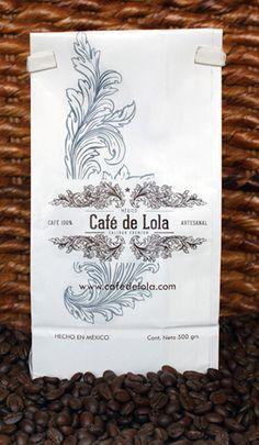 Café de Lola Robusto  Puro grano de Pluma Hidalgo, Oaxaca, tostado con aire, de sabor fuerte, cuerpo fuerte, excelente para expresso y prensa francesa.  Enviamos gratis a todo México  #cafe #fresco #reciénmolido #grano