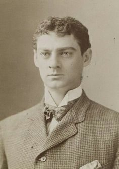 Very young (very cute) Lionel Barrymore. My favorite picture of him ❤ As Mr. Sheldon in The Other Girl, stage role c 1903 Barrymore Family, John Barrymore, Vintage Movie Stars, Vintage Movies, Vintage Hollywood, Classic Hollywood, Famous Men, Famous People, Glamour Shots
