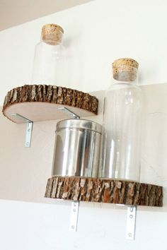 Naturally Beautiful Ways to Decorate With Wood Slices How chic! You can recreate these modern industrial wood slice shelves in no time.How chic! You can recreate these modern industrial wood slice shelves in no time. Modern Industrial, Modern Rustic, Industrial Shelves, Wood Shelves, Floating Shelves, Glass Shelves, Diy Shelving, Rustic Shelves, Kitchen Shelves