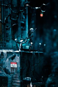 """Metropolis' First Son (2018)"" (Outtake); Diorama angelehnt an Oscar Wildes Märchen #Thehappyprince #Derglücklicheprinz #oscarwilde #Metropolis #Märchen #Modell #modellbau #diorama #fritzlang"