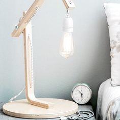 Ikea-Hocker, Lampenfassung und Twercs-Werkzeug!