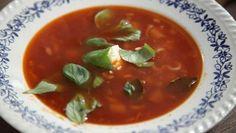 Lekker, snel, simpel en goedkoop! Supersnelle tomatensoep met pasta Recept: http://www.24kitchen.nl/recepten/supersnelle-tomatensoep-met-pasta  www.thewaldo.nl #TheWaldo #WonenInTheWaldo #livingatyourselfie