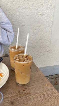 Cafe Food, Food N, Good Food, Food And Drink, Yummy Food, Iced Coffee, Coffee Drinks, Coffee Time, Coffee Shop