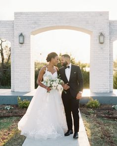 Their faith and sentiment influenced their garden-style spring wedding. Go inside this couple's Texas celebration and get swept away in the romantic touches. Spring Wedding, Wedding Day, Romantic Images, Rustic Wedding Venues, Wedding Mood Board, Martha Stewart Weddings, Black Couples, Garden Styles, Wedding Bells