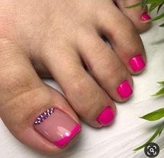50 Unhas dos pés com joias de unha Gold Toe Nails, Pretty Toe Nails, Cute Toe Nails, Feet Nails, Bling Nails, My Nails, French Toe Nails, Toe Nail Color, Toe Nail Art