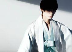 한복 Hanbok : Korean traditional clothes[dress] | #ModernHanbok designed by lee…