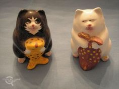 Cat with fish Salt and Pepper Shakers