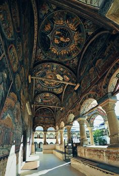 The Horezu Monastery or Hurezi Monastery was founded in 1690 by Prince Constantin Brâncoveanu in the town of Horezu, Wallachia, Romania. Church Architecture, Beautiful Architecture, Classical Architecture, Brancusi Sculpture, Wonderful Places, Beautiful Places, Beautiful Pictures, Visit Romania, Turism Romania