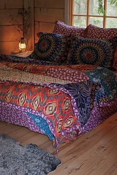 Bedding inspiration http://www.anthropologie.com/anthro/catalog/productdetail.jsp?id=090003=HOME-BEDDING=HOME-BEDDING=HOME=top=30=095=true=true=true=HOME-BEDDING-QUILTS=hybrid