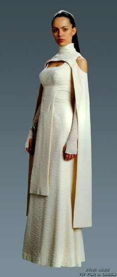 Lesser known costume from Ep. III: was supposed to be Padme's but was given - Ideas of Star Wars Outfits - Lesser known costume from Ep. III: was supposed to be Padme's but was given to Bail Organa's assistant. Raver Girl, Movie Costumes, Cosplay Costumes, Costume Star Wars, Star Wars Dress, Jedi Costume, Elf Kostüm, Star Wars Wedding, Punk Girls