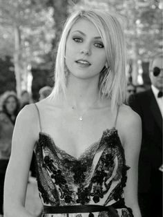 Taylor Momsen- LOVE the dress