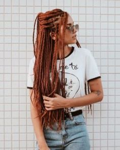 60 Totally Chic And Colorful Box Braids Hairstyles To Wear! - Part 68 Box braids are a timeless style because of their simplicity but ability to appeal to everyone. Check out our list of 60 box braids hairstyles for black women. Colored Box Braids, Jumbo Box Braids, Braids With Color, Brown Box Braids, Large Box Braids, Afro Braids, Twist Braids, Fulani Braids, Hair Twists