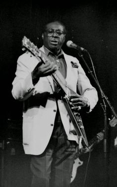 Jazz Blues, Blues Music, Guitar Guy, Albert King, Unsung Hero, Blues Artists, Greatest Songs, Playing Guitar, Good Music