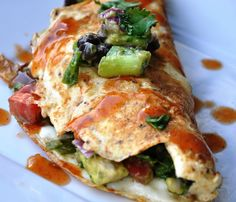 Avocado Black Bean Omelet by honeywhatscooking: Healthy breakfast! #Omelet #Avocado #Black_Bean #Healthy