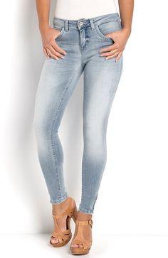 De fedeste ONLY Jeans Kendell 7/8 Bleget denim ONLY Underdele til Dame i behagelige materialer