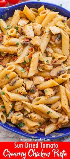 Creamy Sun-dried Tomato Sundried Tomato Chicken Pasta, Chicken Pasta Dishes, Easy Chicken And Rice, Easy Chicken Dinner Recipes, Creamy Chicken, Best Pasta Recipes, Best Dinner Recipes, Easy Healthy Recipes, Quick Easy Meals