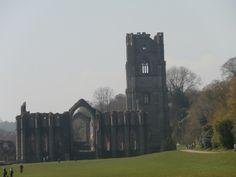 Fountains Abbey - the ruins