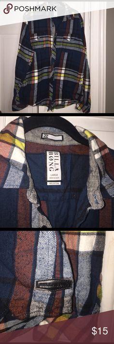 Billabong plaid shirt Only worn once! Billabong button up flannel Billabong Tops Button Down Shirts
