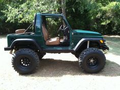 Suzuki Samurai ... Very Nice ... Great dark green color!