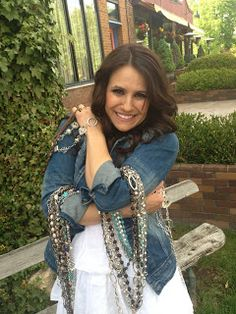 Annelise Brown, the inventor of Mialisia Jewelry  http://glamourgal.mialisia.com