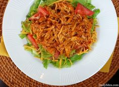 Emily Bites - Weight Watchers Friendly Recipes: Shredded Mexican Chicken Pulled Chicken Recipes, Shredded Chicken, Shredded Beef, Ww Recipes, Skinny Recipes, Mexican Food Recipes, Crockpot Recipes, Fodmap Recipes, Mexican Chicken