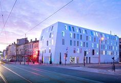 DuPont™ Corian®: Solid Colours Glacier White, Seeko'o Hotel, Bordeaux