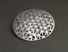 QUOIL Artists - Contemporary Jewellery Gallery Gillian Rainer brooch