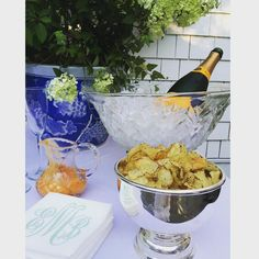 Flashback to last night's party in the garden. Love my hotel silver bowl from @watsonkennedy -- elevated my simple bar snack! #entertaining #easyliving