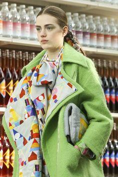 How Chanel Rocks Paris Fashion Week | Estilo Tendances