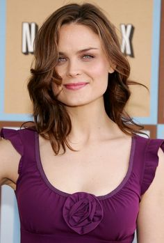 Sexy Shoulder Length Hairstyle with Bangs for Thick Hair - Emily Deschanel's Hairstyle